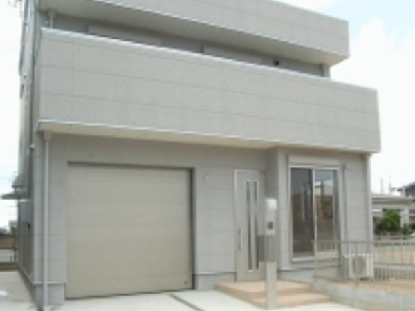 豊橋市東幸町「ビルト・イン・ガレージのギャラリーハウス」