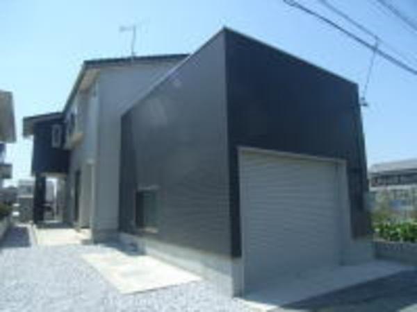 豊橋市神野新田町「間取りの工夫でのびのび二世帯の家」のサムネイル